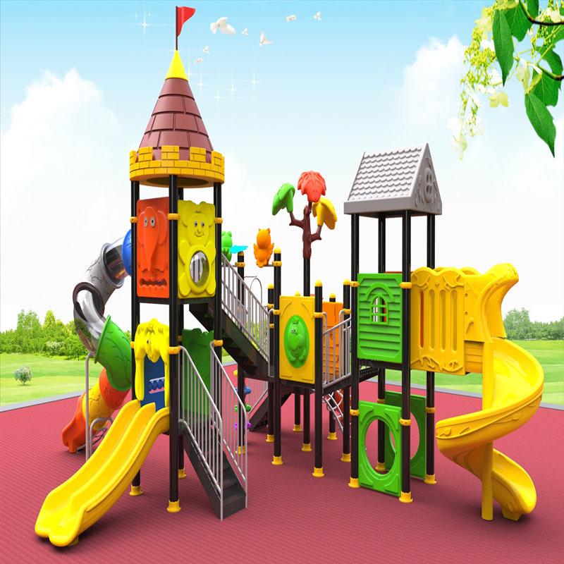 equipamentos de playground ao ar livre com crianças slide crianças brinquedos casa jogo