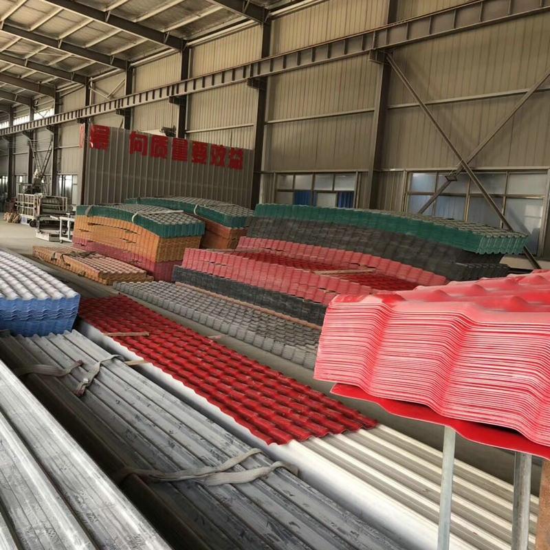 Preço concorrencial baixo custo, tais Como OS azulejos para telhados sintéticos de poliéster PVC