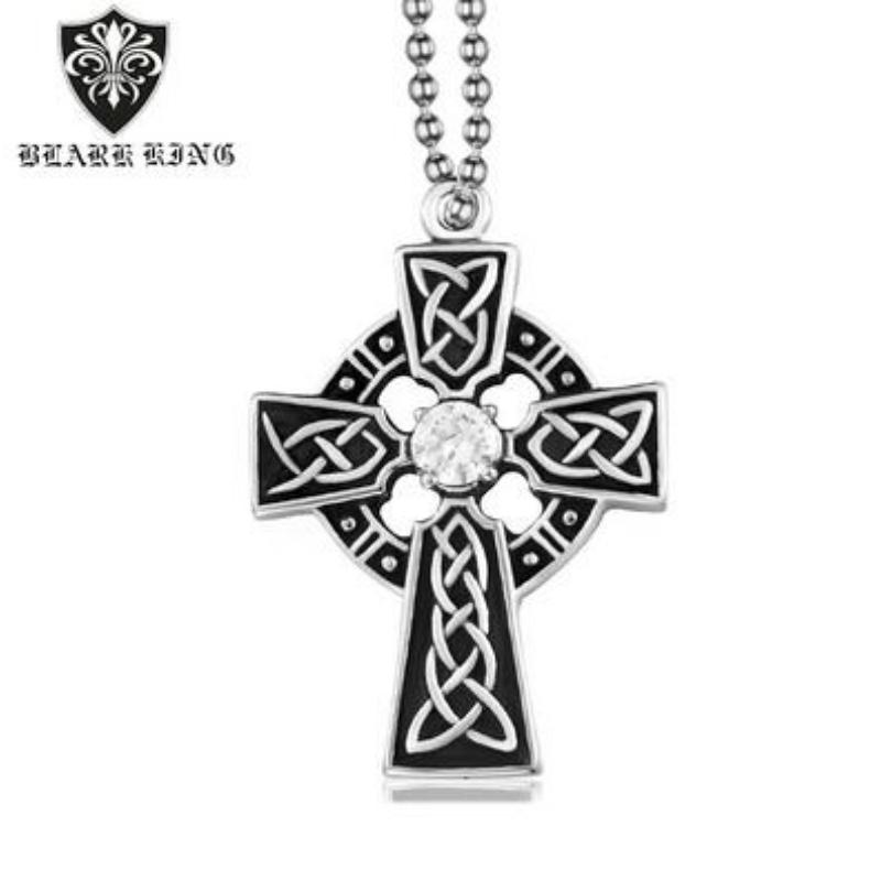 Padrão personalizado: Cruel de aço inoxidável. Retrato de Diamond Cross Pendant.